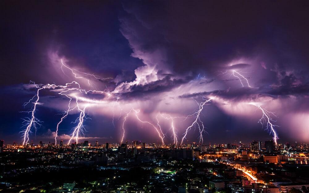 VOLhighspeed Blog Beitragsbild Blitzschaden bei FRITZBox