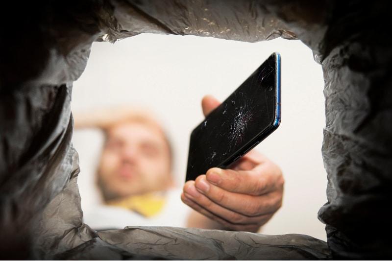 Alte Handys entsorgen_Blog_VOLhighspeed